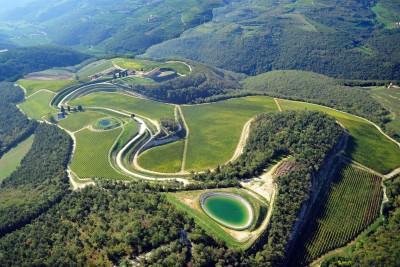 Thumbnail Tour of the Maternigo Estate