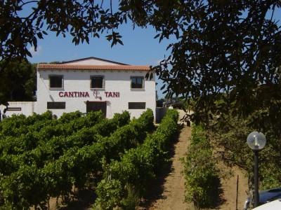 Thumbnail Escape to the Vineyard at Tani Farmhouse