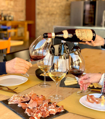 Thumbnail Visita con light lunch in Valpolicella da Farina Wines
