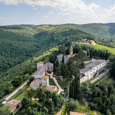 Thumbnail The italian Grand Art & Wine Tour with Winedering