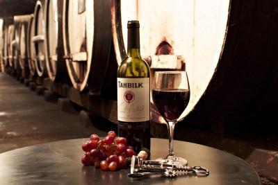 Thumbnail Winemaker's secret act at Tahblik