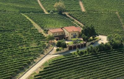 Thumbnail Benvenuti nel cuore delle Langhe: scopri gli splendidi vini della cantina Cagliero