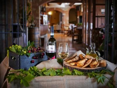 Thumbnail Un calice di vino al giorno per 4 giorni di relax a Val d'Illasi
