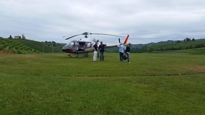 Thumbnail Tour privato sull'area del Barolo in elicottero e degustazione in cantina