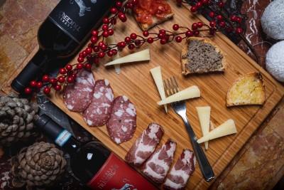 Thumbnail Tour, degustazione e light lunch nel cuore della Toscana da Castello Tricerchi